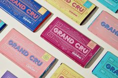 Grand Cru Chocolate Packaging Design Is Worth Seeing . The Grand Cru chocolate packaging design come with plenty of the things I love. Great colors, great design but still simple. Retro Packaging, Craft Packaging, Food Packaging Design, Bottle Packaging, Coffee Packaging, Packaging Design Inspiration, Branding Design, Corporate Design, Candy Packaging