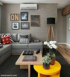sala de estar cinza amarelo e preto