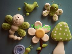 Butterflies flower bird snail and mushroom green & white.  Mundo verdinho....rs by Sonho Doce Biscuit *Vania.Luzz*, via Flickr