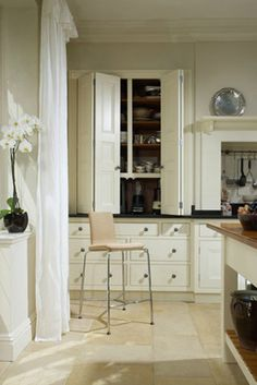 Astonishing Classic English Kitchens | Interior Design inspirations and articles