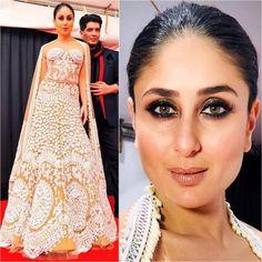 Kareena Kapoor Khan showstopper Manish Malhotra Ensemble