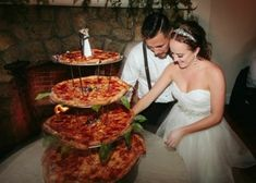 Who's ready for some fun? This Miami wedding will rock your socks off with it's unique baseball themed decor and UH-MAZING pizza cake. Unconventional Wedding Cake, Unusual Wedding Cakes, Nontraditional Wedding, Pizza Wedding Cake, Pizza Cake, Pizza Pizza, Miami Wedding, Wedding Goals, Trendy Wedding