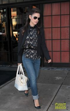 Rachel Bilson wearing Goldsign Jenny Slim Crop Jean and Theyskens Theory Basha Printed Silk Blouse.