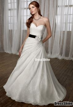 Not a fan of the strapless, but this is gorgeous! @gritsinidaho