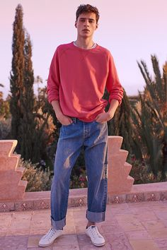 5-pocket jeans in washed cotton denim with a loose fit, regular waist, and straight legs.   H&M For Men