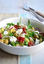 Lekkere zomerse pastasalade met geitenkaas
