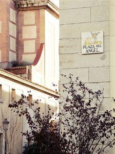 Una esquina de plaza del Angel
