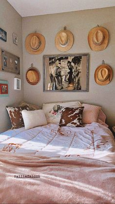 Western Bedroom Decor, Western Rooms, Cute Bedroom Decor, Room Ideas Bedroom, Western Bedding, Vintage Western Decor, Cowboy Home Decor, Cowboy Bedroom, Country Western Decor