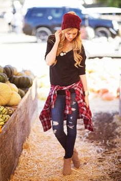 black tee + flannel + ripped jeans + cognac booties + burgundy beanie. Sweet fall look