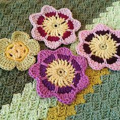 <3 #crochetblanket #crochetflowers #cornertocorner #c2cblanket #c2c #handmade #crochetersofinstagram #crochetaddict #crochetgeek #instacrochet #crochetlove #crochetcommunity #yarnleftovers #stashbusting #yarnaddict by handmade_is_better