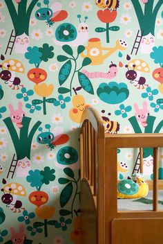In the garden wallpaper. Design by Deborah van de Leijgraaf - byBORA.com