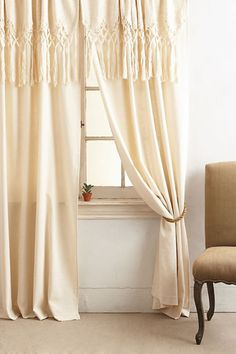 Products Knotted Macrame Curtain by Anthropologie in White, Curtains Thyme: The Herb of Courage Gard Tie Top Curtains, No Sew Curtains, Home Curtains, Rod Pocket Curtains, Caravan Curtains, Home Decor Trends, Diy Home Decor, Decor Ideas, Motif Mandala Crochet
