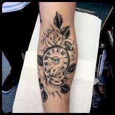Bildergebnis für tattoo oberarm rosen