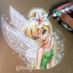 By Kelly Lahar Colored pencil. By Kelly Lahar - Populaire Disney Dessin Realistic Drawings, Cartoon Drawings, Cute Drawings, Pencil Drawings, Tinkerbell And Friends, Disney Fairies, Tinkerbell Drawing, Easy Disney Drawings, Pinturas Disney