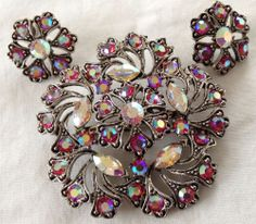 VINTAGE WEISS SIGNED PINK AND BOREALIS RHINESTONE BROOCH  EARRINGS #Weiss