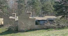 Bilderesultat for concrete atrium house Curved Bed, Outdoor Spaces, Outdoor Decor, Landscape Plans, Water Conservation, Garden Supplies, Curb Appeal, Garden Landscaping, Concrete