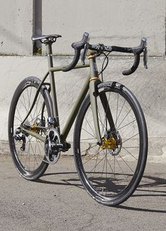 I'm gonna get a fixie later. They look Awsome and they're cheap.i want a fixie just to have it