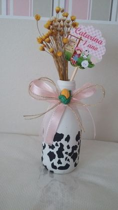 46 IDEIAS DE CENTRO DE MESA PARA FESTA FAZENDINHA! Mary Birthday, Baby Girl Birthday, 1st Birthday Parties, 2nd Birthday, Cow Baby Showers, Farm Animal Birthday, Farm Theme, Birthday Decorations, First Birthdays