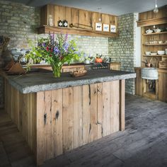 Barn Kitchen, Rustic Kitchen Design, Interior Design Kitchen, Country Kitchen, Diy Kitchen, Kitchen Decor, Recycled Kitchen, Home Kitchens, Home Remodeling