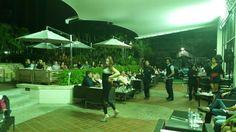 #quieres Desestresarte? Hacer Catarsis? #TuMejorOpción es #AmoresDeBarra. Te ofrecemos TODOS los ingredientes del Entretenimiento en 1 sólo lugar. Disfruta por más de 85.000 personas. Jueves 28,  Viernes 29 y Sábado 30/05. LUGAR : Hotel @eurobuilding Ccs. HORA  8:30PM.  VALOR DEL BOLETO : 445Bs. Entradas en www.tuticket.com ( Todos los días de la semana ) y en el lobby del Hotel los días de función a partir de las 5pm.  #ShowMusicalTeatral #Entretenimiento #CenaTragosyDiversion #Confort…