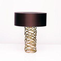 Galerie Van Der Straeten LAMPE TORNADE N°290 Bronze mordoré et abat-jour en taffetas chocolat Hauteur totale : 71 cm – base : Ø 21 cm – abat-jour : H. 23 x Ø 58 cm – 10 kg