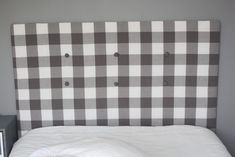 Learn how to make a cheap & easy DIY upholstered headboard with tufting, using simple materials you have at home. No powertools and no sewing needed. Diy Headboard With Lights, Cheap Diy Headboard, Diy Tufted Headboard, Full Size Headboard, Headboard Cover, How To Make Headboard, Headboards For Beds, How To Cover A Headboard With Fabric, Headboard Ideas