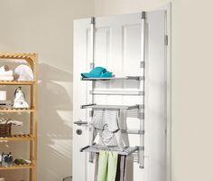 799 Kč Šetří prostor v bytě  Tento sušák na prádlo je dobrou alternativou k běžným stojacím sušákům, protože nepotřebuje tolik místa, a vejde se dokonce i do koupelny. Sušák lze jednoduše zavěsit na dveře nebo zástěnu sprchového koutu. Možná je i montáž na zeď.