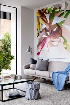 Interior The Crisp Street Apartment was designed by Mim Design and the living room's neutral, modern decor is topped off with a beautiful, abstract painting in both bold and muted colors. Home Living Room, Living Room Designs, Living Room Decor, Apartment Living, Apartment Interior, Living Area, Living Spaces, Room Inspiration, Interior Inspiration