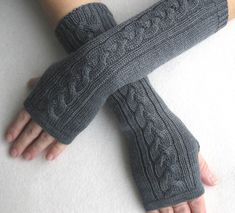 1000 images about handschuhe und stulpen on pinterest stricken drops design and wrist warmers. Black Bedroom Furniture Sets. Home Design Ideas