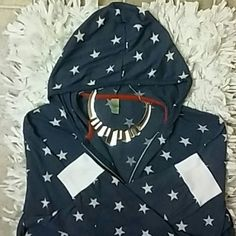 Alternative Earth hoodie Light weight oversized hoodie with a US themed star pattern, white cuffed sleeves and red interior stitching Tops Sweatshirts & Hoodies