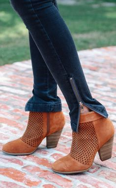 cutest heels with skinny jeans #heels #booties #tan