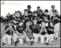 Barlow Girls Photography~ #clarksville #tn #fortcampbell #ky #woodlawnlittleleague #WLL #actionshots #sports #baseball #boys #summertime #helmet #batting #baserunning #catcher #gear #mask #team #coaches #teamphoto