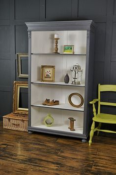 This antique pine wood bookcase from Holland was made in Valspar Carriage Wh … - Upcycled Furniture White Wood Furniture, Distressed Furniture, Upcycled Furniture, Shabby Chic Furniture, Painted Furniture, Home Furniture, Furniture Online, Bamboo Furniture, Furniture Ideas