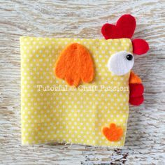 Chicken Pattern, Lucky - Free Sewing Pattern • Craft Passion Fabric Toys, Fabric Birds, Fabric Crafts, Sewing Stuffed Animals, Stuffed Animal Patterns, Sewing Patterns Free, Free Sewing, Sewing Tips, Paper Patterns
