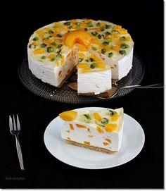 Barackos joghurt torta. Camembert Cheese, Sweets, Cake, Recipes, Food, Yogurt, Sweet Pastries, Pie Cake, Pastel