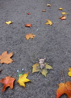 Chalk street art by David Zinn: Sluggo called for a life raft, but had to concede that this was equally effective. http://restreet.altervista.org/le-divertenti-creature-di-david-zinn/