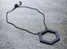 Nytt i shoppen! 300 kr hexagone_outline_black_engstromdesign