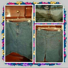 💙 NWOT Light Denim Skirt Size 24W 💙 ❌FINAL❌ Brand New Never Worn Light Denim Skirt From Woman Within Brand Is denim 24/7 Size Is 24W. There's Pockets Front And Back As Well as A Slit On back. Excellent Condition 🚫 TRADES 🚫 PAYPAL 🚫 NO OFFERS ACCEPTED AT THIS TIME PRICE IS FINAL 💙 Woman Within  Skirts Pencil