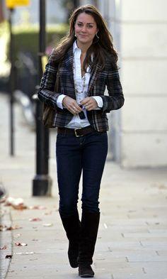 We Love Kate Middletons Tweed Blazer And Crisp White Shirt Combo, October 2006