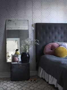 There is not one dull corner in the Copenhagen home of Maria Toft. Maria is the owner of clothing laber ETC. ETC. & furniture shop Boho Habits and her home reflects her personal boho style. Her spacio