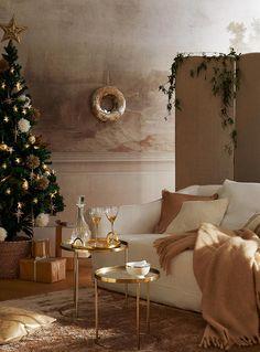 Zara Home Polska Zara Home Christmas, Christmas Time, Christmas Editorial, Zara Home Collection, Unique Christmas Decorations, Living Room Color Schemes, Room Colors, Beautiful Christmas, Ideal Home