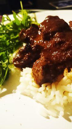 Hungarian stew with red wine and cumin   Gulasz po węgiersku z czerwonym winem i kminkiem :) Tasty, Yummy Food, Grains, Rice, Beef, Concept, Cooking, Healthy, Korn