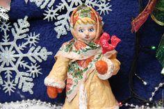 Купить или заказать Ватная елочная игрушка Танюшка в интернет магазине на Ярмарке Мастеров. С доставкой по России и СНГ. Материалы: вата, клейстер, проволочный каркас,…. Размер: высота 17 см