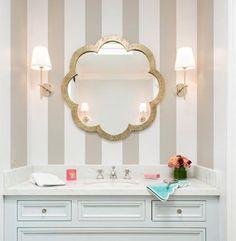 洗面所の壁紙6例!おしゃれに見える色やコーディネートのコツは? | LUV INTERIOR