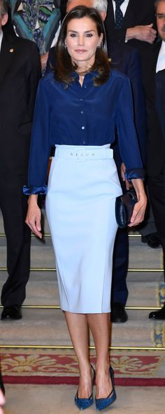 13 Jun 2019 - Queen Letizia attends Plenary of the Spanish Royal Academy Princess Letizia, Queen Letizia, Kate Middleton, Style Icons Inspiration, Fashion Idol, Princess Outfits, Business Outfits, Royal Fashion, Modest Outfits