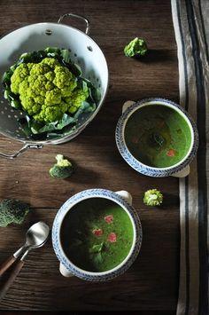 Délices et Caprices: Soupe de broccoli et chou romanesco