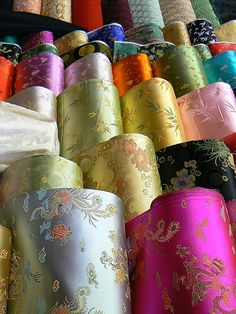 Discover thousands of images about Chinese Silk Fabric Chinese Fabric, Indian Fabric, Chinese Silk Dress, Textile Pattern Design, Fabric Design, Brocade Fabric, Lace Fabric, Catty Noir, Wedding Fabric