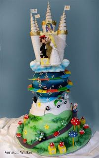 Ultimate geek wedding cake.....does my love for Mario come across in my wedding style?.....nah!!!