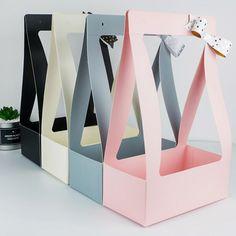 Flower Packaging, Paper Packaging, Box Packaging, Flower Box Gift, Flower Boxes, Diy Flowers, Eid Cupcakes, Bag In Bag, Box Bag