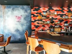 This Hip SF Sushi Spot Customizes Everything From the Food to the Decor Custom Made Neon Signs, Great Hotel, House Beds, Hotel Interiors, Commercial Interiors, Grey Walls, Home And Living, Sushi, Interior Design